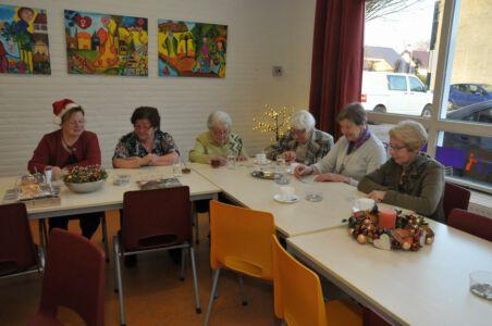 2016-12-16 Kerststukjes Maken Voor Medebuurtgenoten (2)